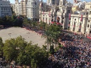 ver mascleta balcon plaza ayuntamiento