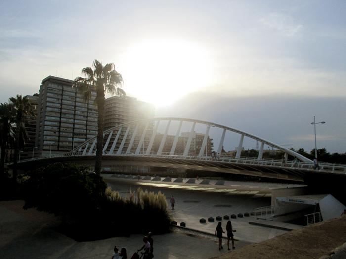 Puente exposicion Calatrava Valencia