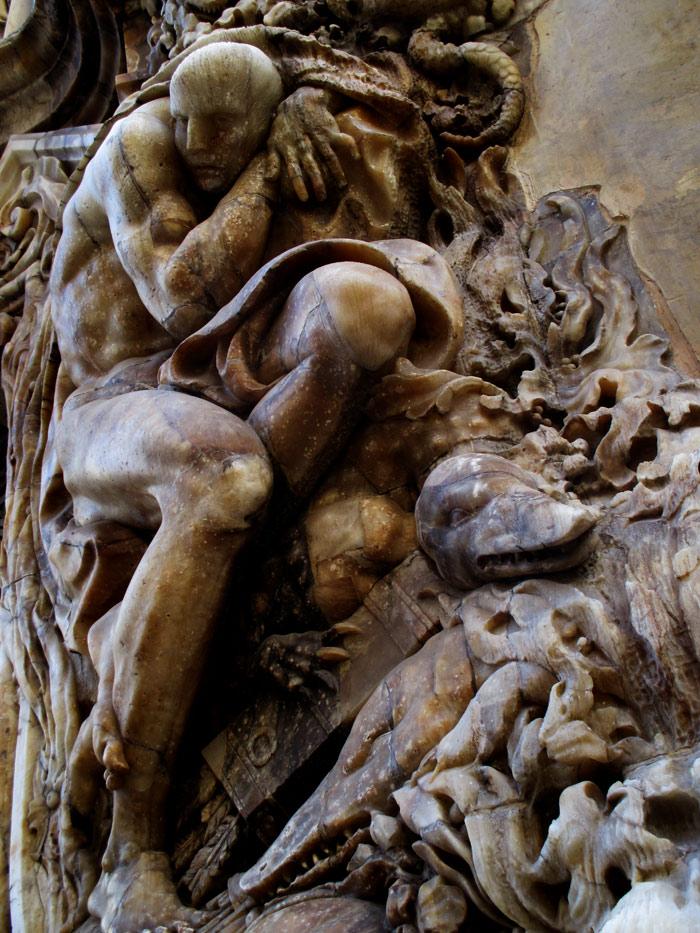 Detalle del atlante del Río Turia. Una de las imágenes más icónicas de Valencia a nivel turístico y cultural.