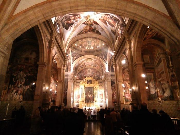 La capilla se realizó entre 1590-97 por Guillem Rey y las pinturas por el autor manierista activo en Cuenca aunque genovés de procedencia, Bartolomé Matarana. Las pinturas murales que se producen en cada uno de los muros del interior de la iglesia se realizaron entre 1597 y 1605.