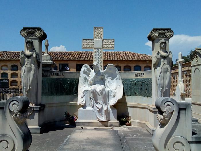ruta-cementerio-lacrimosa-rutas guiadas adzucats